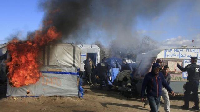 放火された掘っ立て小屋(2月29日)