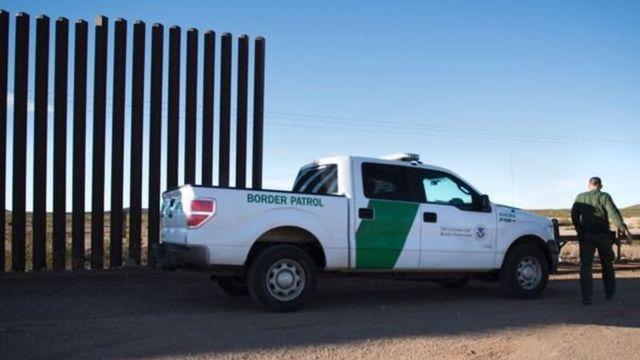 अमरीका मैक्सिको के बीच दीवार
