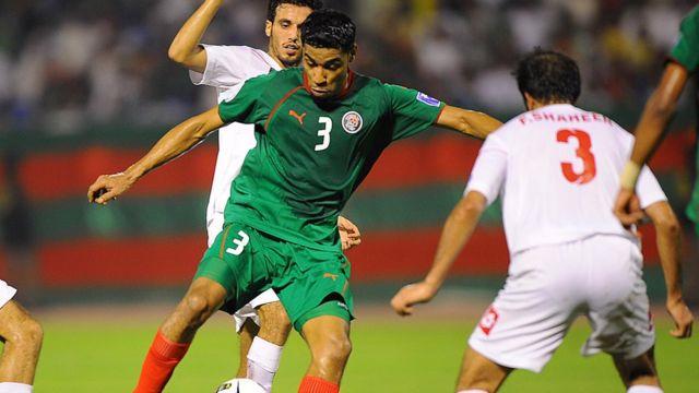صورة أرشيفية لمباراة جمعت الفريق السعودي بنظيره الكويتي في نهائيات كأس الاتحاد الآسيوي سنة 2012.