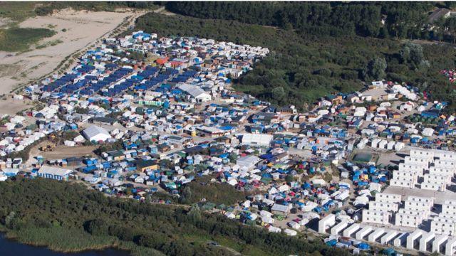 Campamento de migrantes en Calais, Francia.