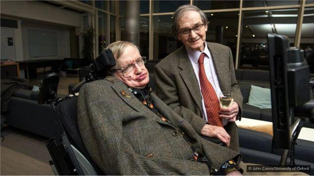 Stephen Hawking dan Roger Penrose