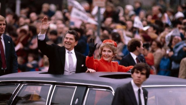 Ronald y Nancy Reagan .