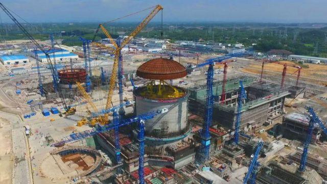 Una planta nuclear en construcción en China