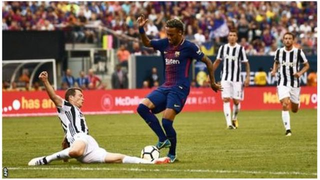 Neymar yatsinze ibitego 13 mu mwaka ushize w'imikino ubwo ikipe ye ya Barcelona yasozaga shampiyona iri ku mwanya wa kabiri inyuma ya Real Madrid