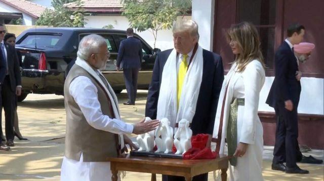 அமெரிக்க அதிபர் டிரம்ப் இந்திய வருகை: இன்னும் சில நிமிடங்களில் `நமஸ்தே டிரம்ப்` நிகழ்வு - Live