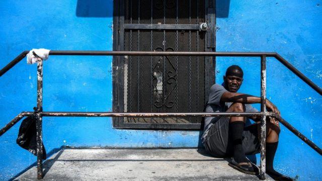Afroamericano en una calle de Miami.