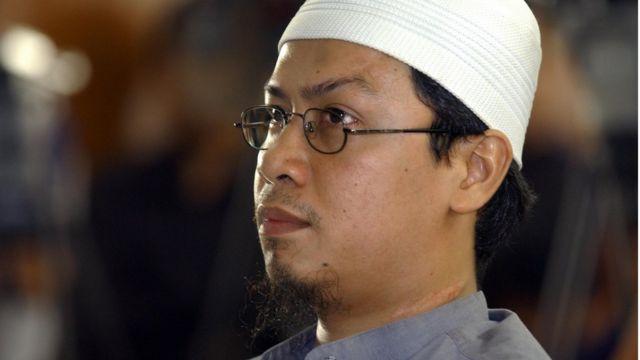 Rois di persidangan di Pengadilan Jakarta Selatan pada 2005.