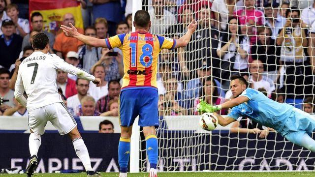 Cristiano Ronaldo falla un penalti