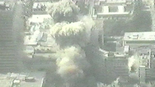 Ira bomb explodes in Manchester