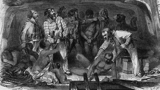 Um desenho do século 18 mostra escravizados a bordo de um navio negreiro.