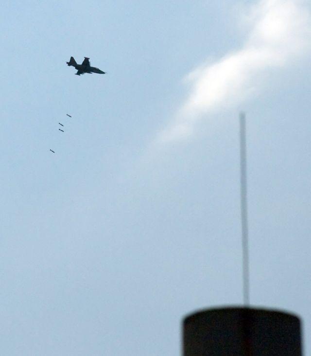 Российский Су-25 наносит удар по Гори
