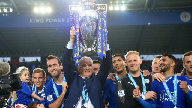 Ranieri levanta la copa