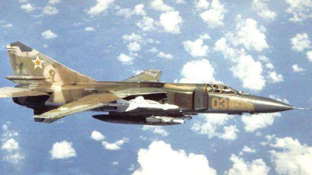 В 1980-е годы советский истребитель МиГ пролетел еще несколько сотен километров после того, как летчик катапультировался из машины в связи с неполадками с двигателем