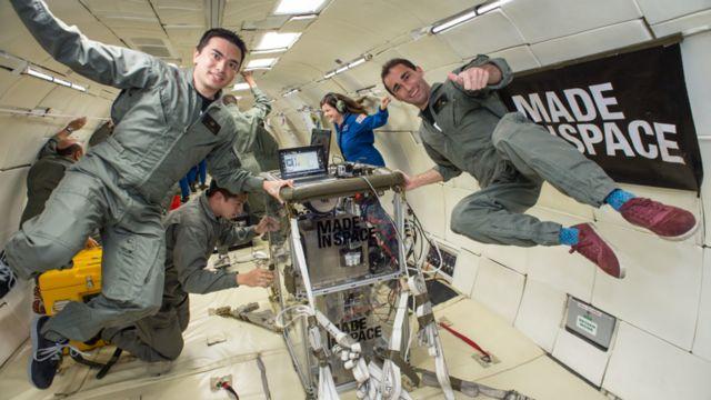 Основатели компании Made in Space Майк Чен (слева) и Джейсон Данн
