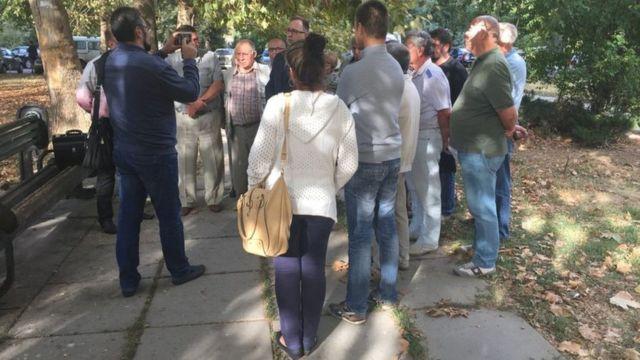 Соратники Ахтема Чийгоза у здания суда
