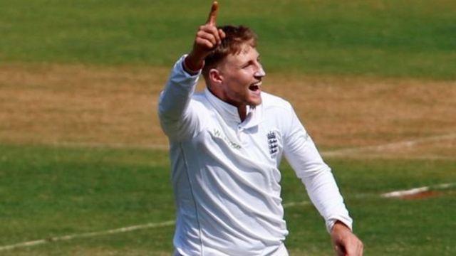 इंग्लैंड के गेंदबाज़