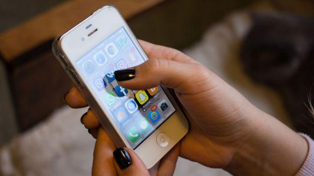 U, celular