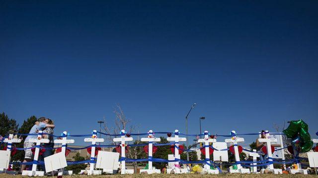 Homenajes a los fallecidos en el ataque.