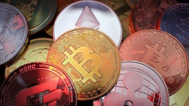 Tháng trước, ba hiệp hội ngành đã ban hành lệnh cấm đối với các dịch vụ tài chính liên quan đến tiền điện tử.