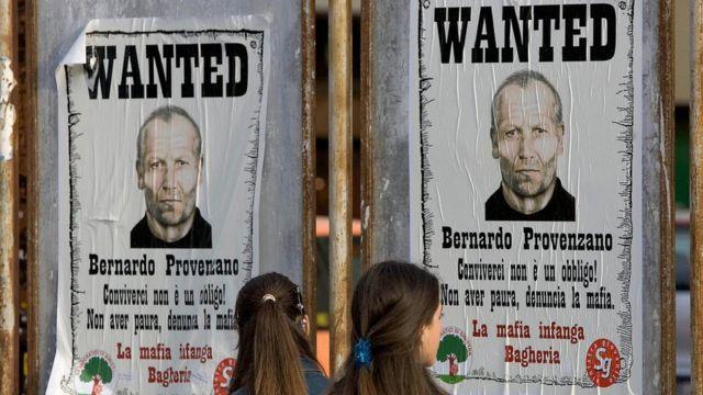 Cartel de búsqueda de Bernardo Provenzano.