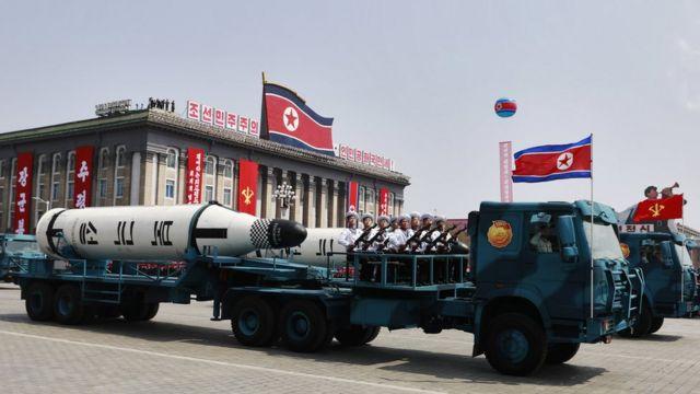 金日成生日105周年纪念日之际举行大阅兵