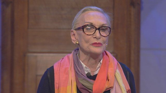 Siân Phillips