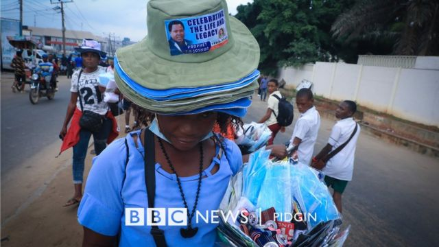 Pipo dey buy and sell sourvenirs of TB Joshua Photo