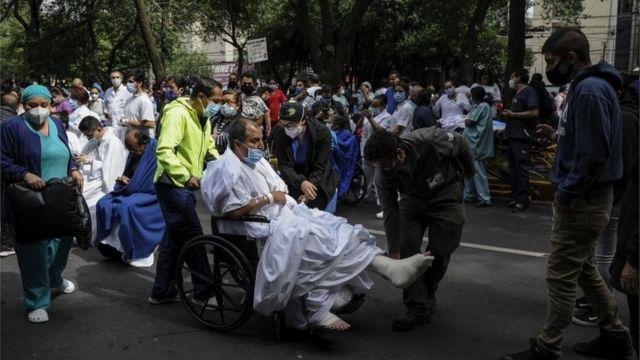 Evacuados en Ciudad de México