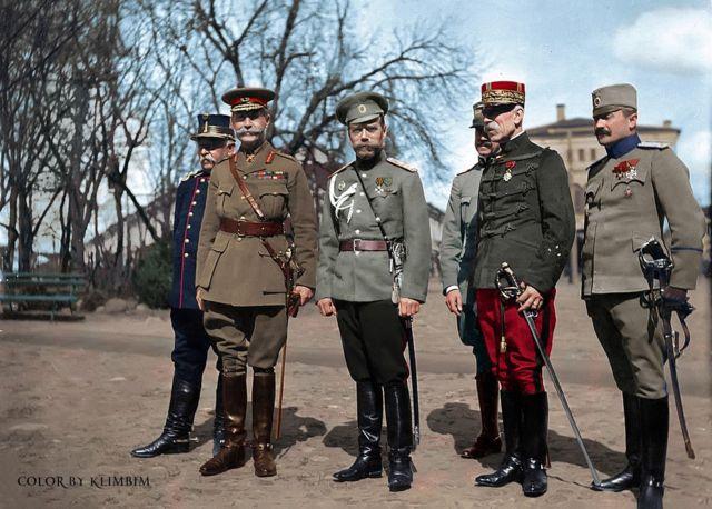 Tzar: 大戰期間的沙皇尼古拉二世,旁邊的協約國的高級軍事將領,1916年