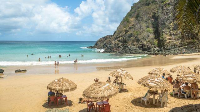 Playa de la isla Fernando de Noronha.