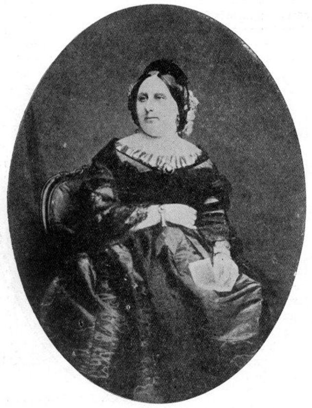 کاترین هوگارث، همسر اسکاتلندی چارلز دیکنز