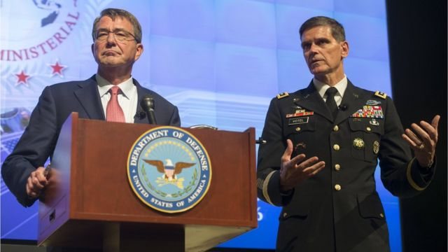 US Defence Secretary Ashton Carter (L) alongside General Joseph Votel