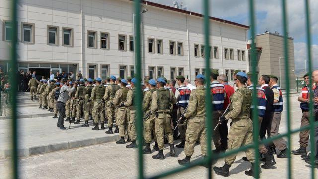 Бывших офицеров турецкой армии ведут в суд в 2017 году