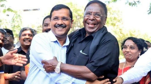 நாராயணசாமியை காகத்துடன் ஒப்பிட்டாரா கிரண் பேடி?