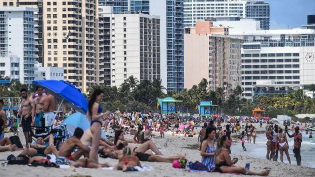 Bañistas en Miami Beach