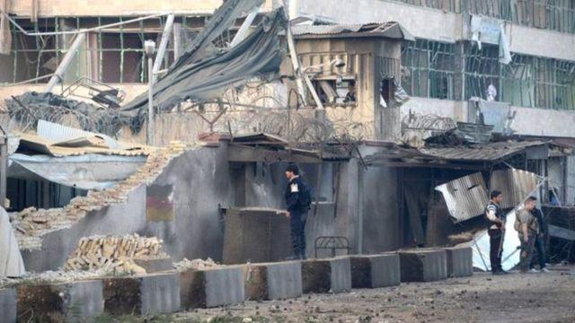 مكان التفجير في محيط القنصلية الألمانية
