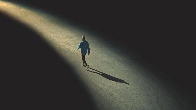 Пять мифов об одиночестве: неужели всё так плохо? - BBC News Русская служба