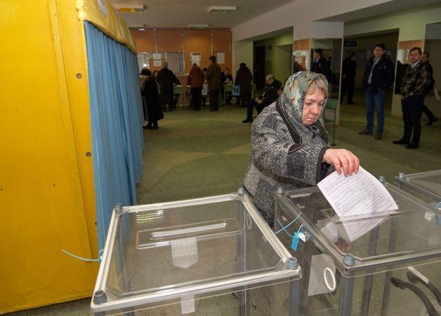 """Майже 65% опитаних """"Демініціативами"""" пішли б на вибори, якби вони відбулися найближчим часом"""
