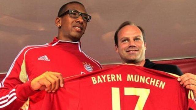 Tottenham wanajiandaa kumsajili beki wa Bayern Munich Jerome Boateng(kushoto)