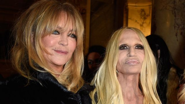 Goldie Hawn y Donatella Versace