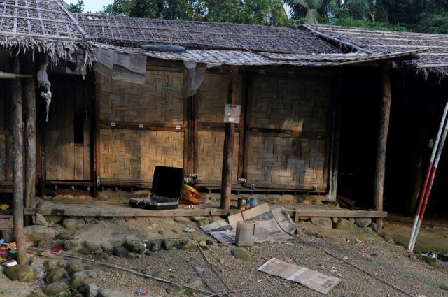 တိုက်ခိုက်မှုတွေနောက်ပိုင်း ရိုဟင်ဂျာတချို့ အိုးအိမ်စွန့်ထွက်ပြေးခဲ့