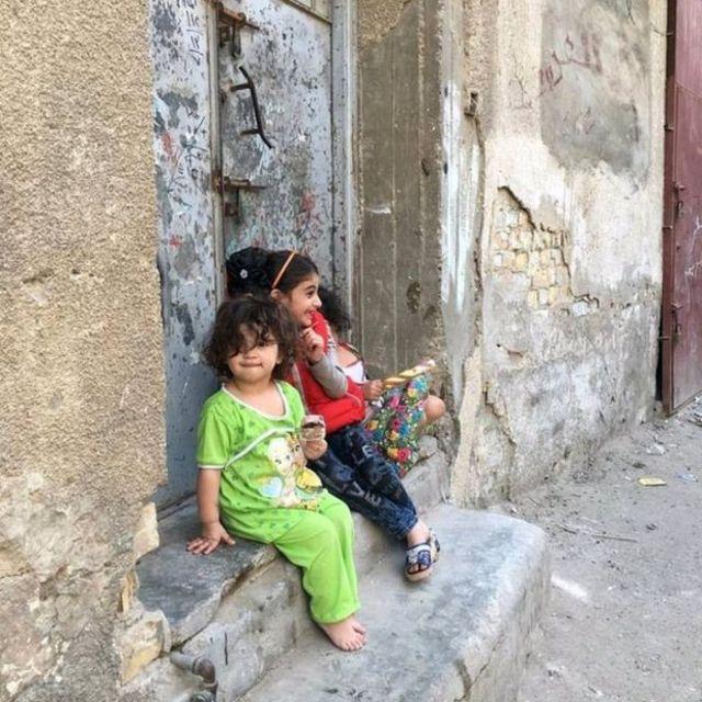 बगदाद में दो लड़कियां