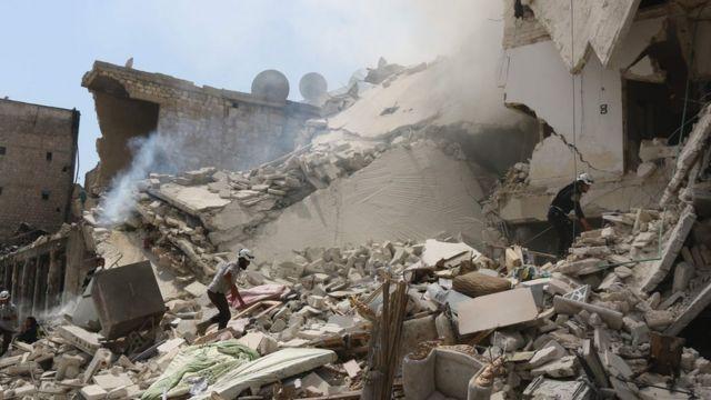 Intambara muri Siriya yaranzwe n'ikoreshwa ry'ibisasu bya bombe bitarobanura abo bihitana.