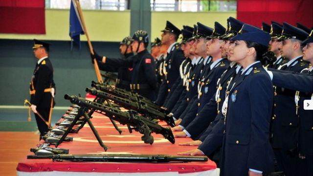 Kadın subaylar