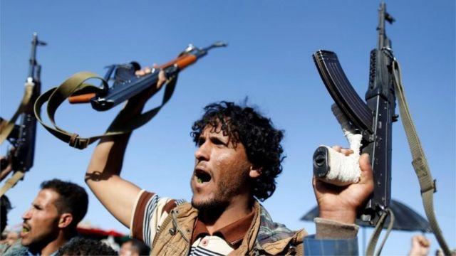 Rebeldes Houthis em Sanaa