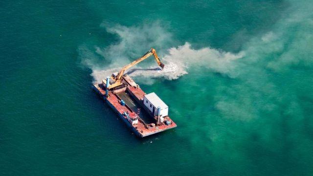 الزحف العمراني على السواحل البحرية