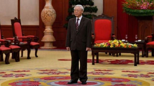 Đại hội 13 sẽ diễn ra cuộc chuyển giao quyền lực. Nhưng Việt Nam sẽ quay lại với mô hình 'tứ trụ' truyền thống hay duy trì Tổng bí thư kiêm Chủ tịch nước?