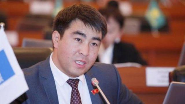 ЖК депутаты Жанар Акаев