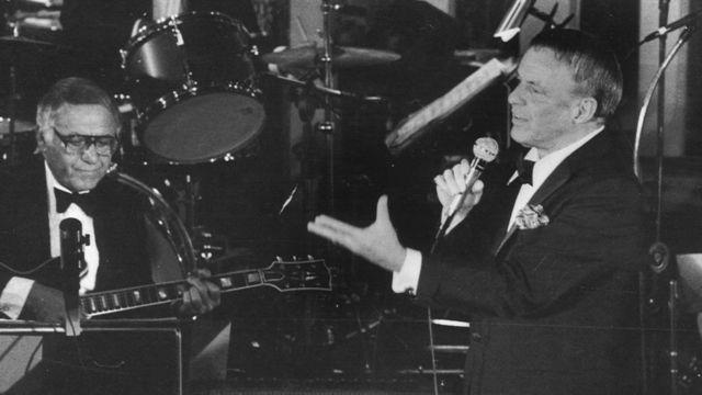 Frank Sinatra em seu show no Maksoud Plaza, em São Paulo