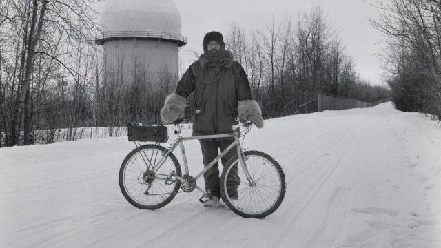बर्फ़ पर साइकिल